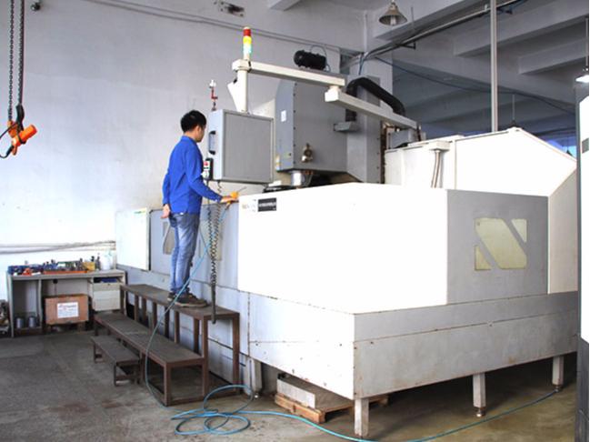 精密机械加工——大型生产设备